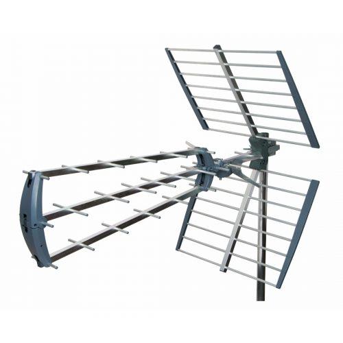 Tri-boom very high gain TV aerial