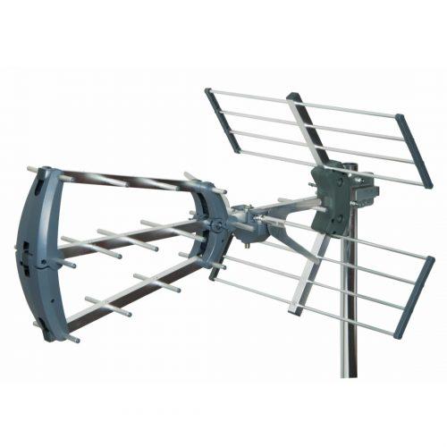 Tri-boom high gain TV aerial